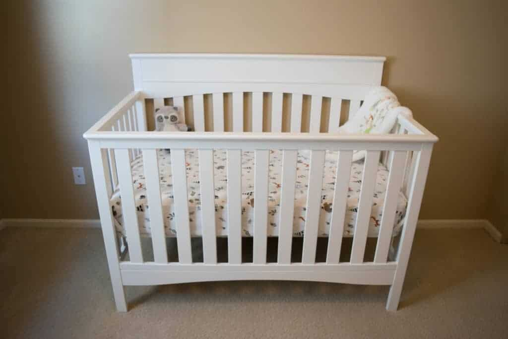 Delta Children Skylar 4-in-1 baby crib